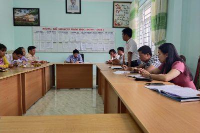 Lấy phiếu tín nhiệm bổ nhiệm cán bộ quản lý đối với thầy Lê Văn Đức- Phó hiệu trưởng.