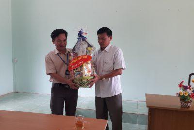 Lãnh đạo Huyện Ủy Đăk Glong thăm và làm việc tại trường THPT Đăk Glong