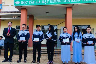 Trường THPT Đăk Glong tổ chức Sơ kết học kỳ I năm học 2018-2019