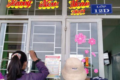 Trường THPT Đắk Glong đẩy mạnh công tác lao động về sinh phòng chống dịch bệnh covid-19 trong tình hình mới.