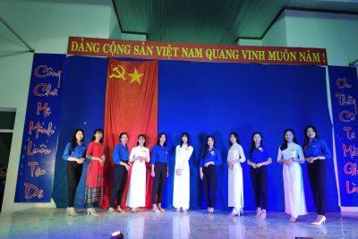 """Trường THPT Đắk Glong tổ chức hội thi """"nữ sinh thanh lịch"""" cấp trường năm 2020."""